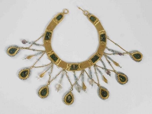 K 0318 Emaillierte Halskette.jpg 608x456 Goldkette