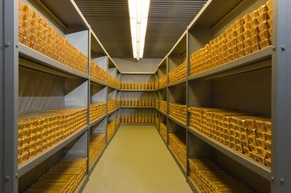 goldbarren09 Bundesbank legt Goldbarren von Deutschland offen